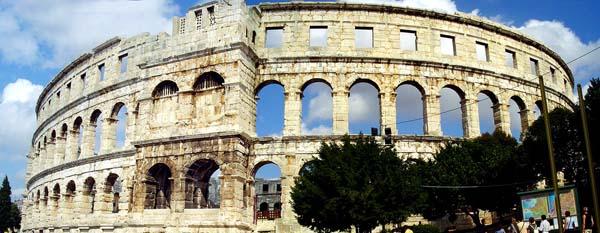 Anfiteatro de Pula (foto: divulgação internet)