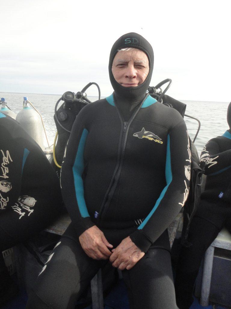 Paramentado para nadar com os lobos-marinhos