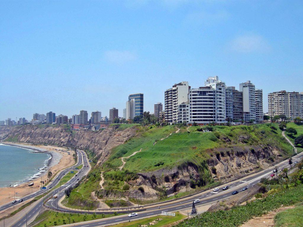 Miraflores (Foto: wikipedia.org/wiki/Ficheiro:Miraflores-Lima.jpg)